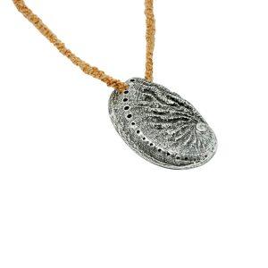 MAR DE FORNELLS Joyas chapadas en oro, plata con esencia de Menorca.