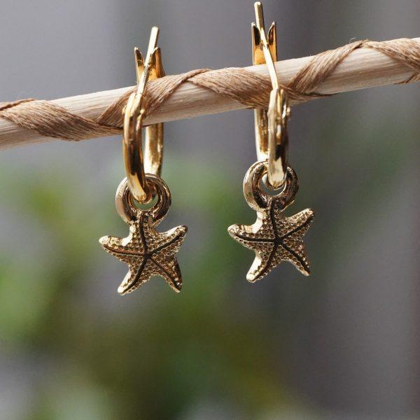 Pendiente de aro con estrella de mar