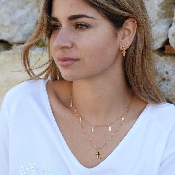 Collar doble cadena con cruz y perlas agua dulce